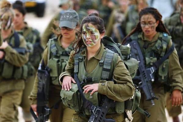 Mulher do exército brasileiro